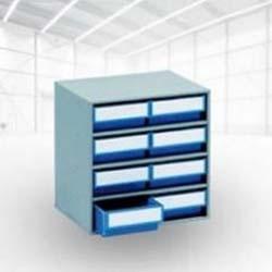Des armoires à bacs de rangement
