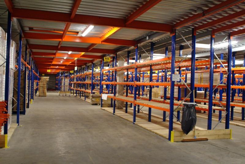 Mezzanine de stockage sur racks industriels