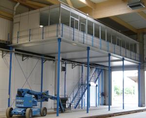 Installez un bureau au sein de votre entrepôt de stockage