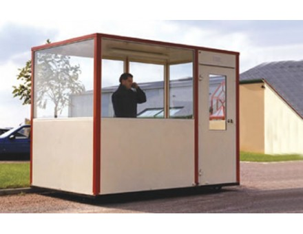 Installation d'une cabine palettisable en extérieur