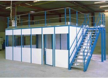 Un bureau intégré aux plateformes industrielles