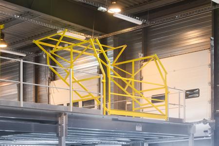 Sécurisation des étages supérieurs d'une mezzanine industrielle
