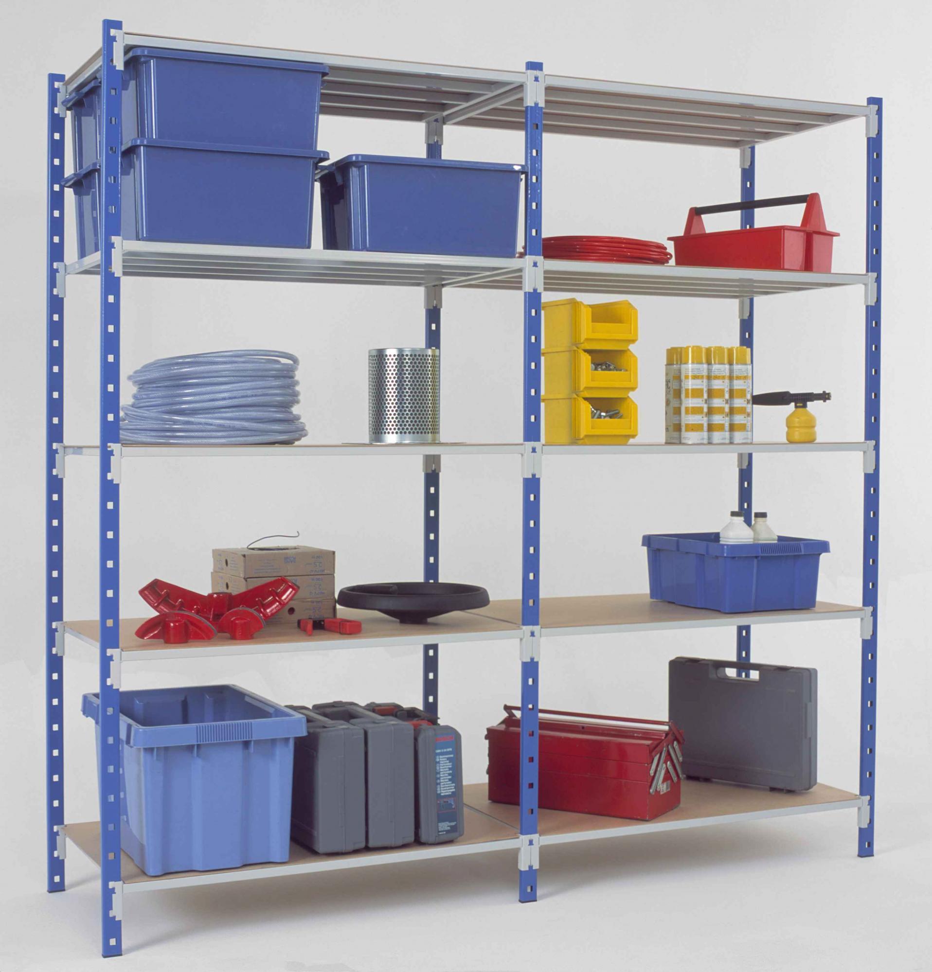 Stocker beaucoup de produits dans un petit entrepôt - 92